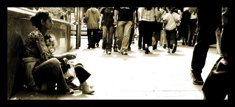 "photo ""street life"" tags: black&white, genre,"