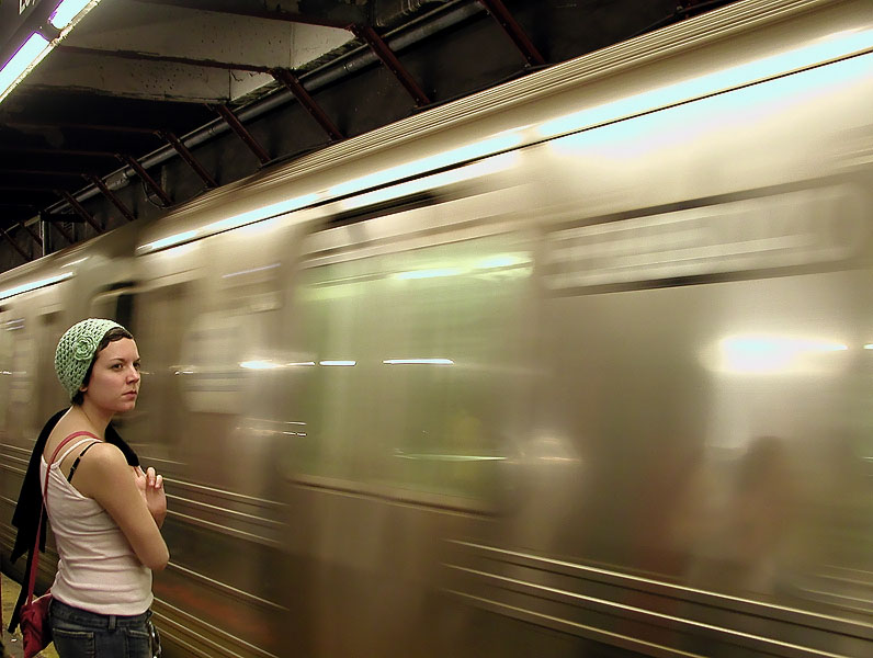 "photo ""Subway"" tags: genre, portrait, woman"