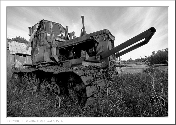 "photo ""Caterpillar"" tags: black&white, landscape,"