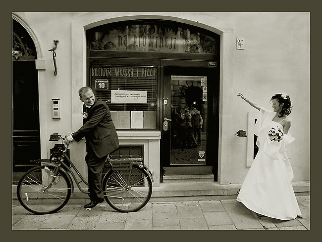 "photo ""runaway bridegroom"" tags: humor, black&white,"