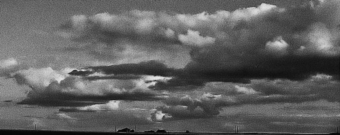 "photo ""clouds"" tags: black&white, landscape, clouds"