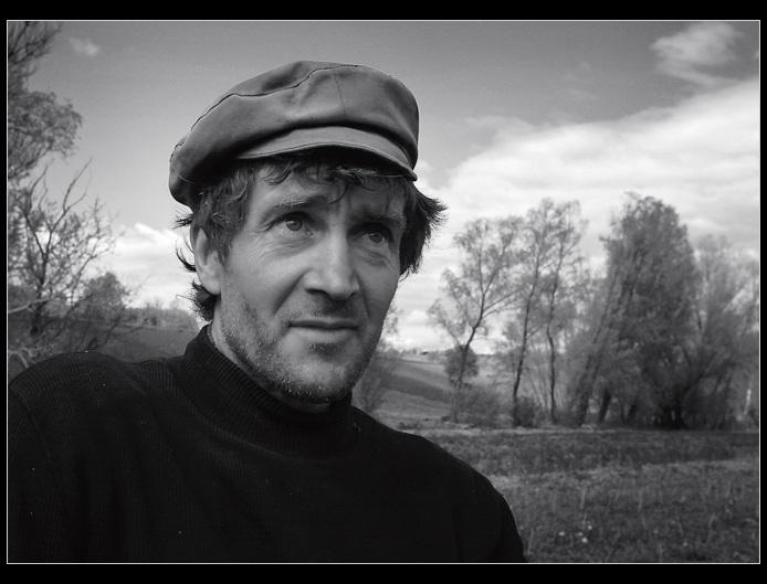 "photo ""Kolya Noga, the farmer and the gardener"" tags: portrait, black&white, man"