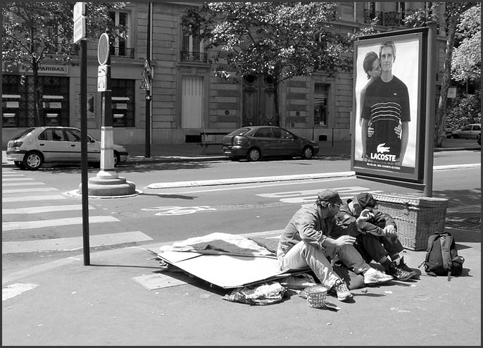 "photo ""The Habitation for two the centre of Paris."" tags: black&white, genre,"