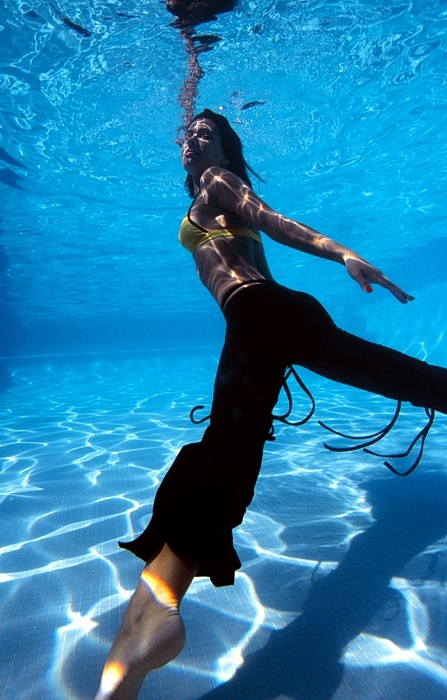 "photo ""come on..."" tags: glamour, underwater,"