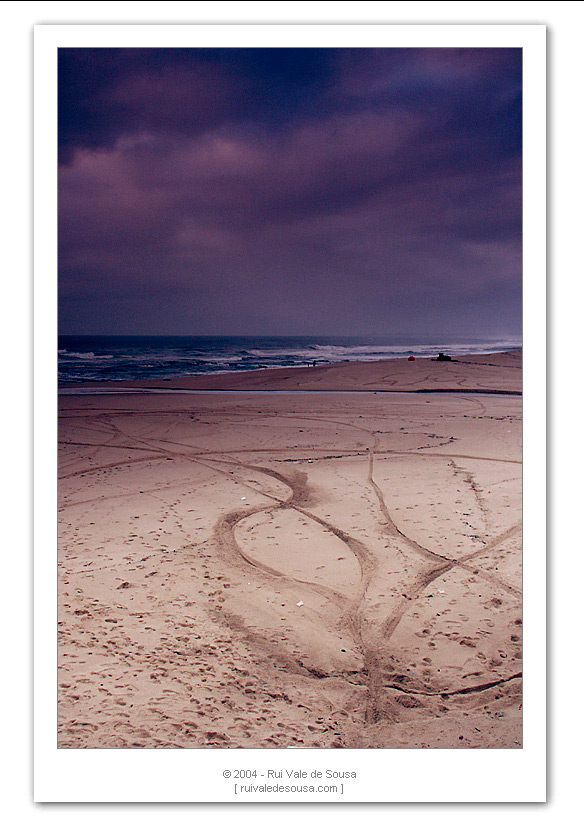 "photo ""in the sand"" tags: misc.,"