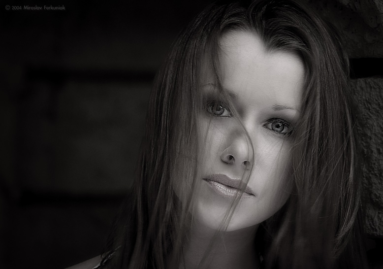 "photo ""Shelly"" tags: black&white,"
