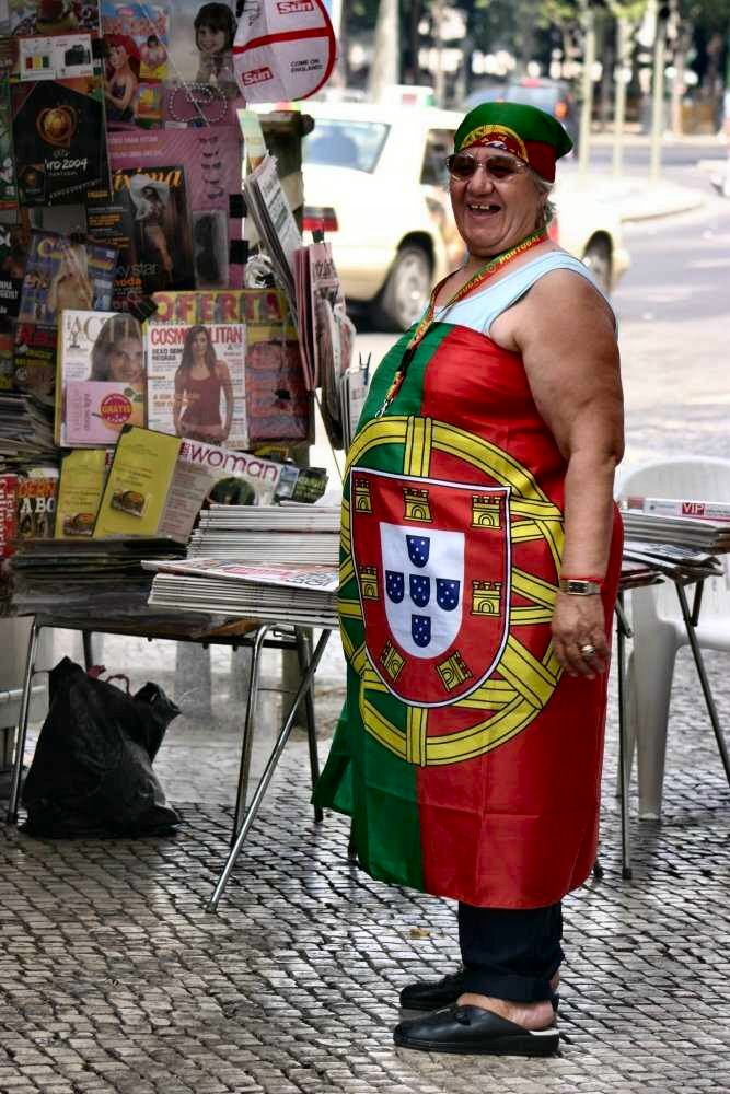 "photo ""Euro2004 - Portuguese woman"" tags: portrait, woman"