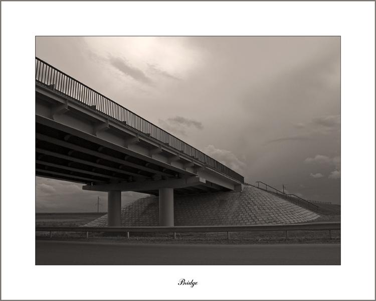 "photo ""Bridge"" tags: black&white, architecture, landscape,"
