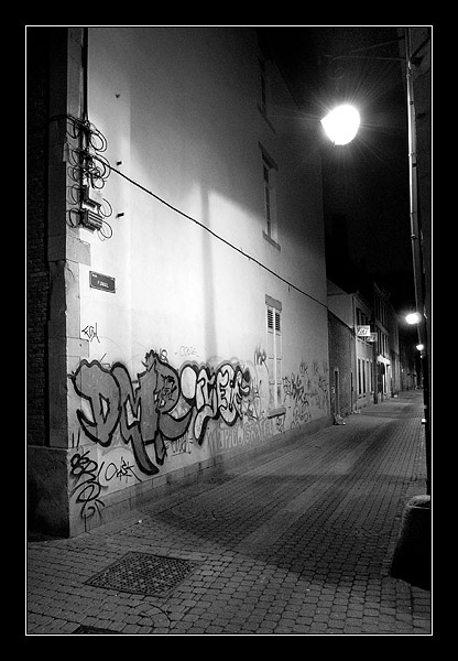 "photo ""Lonely the night"" tags: architecture, black&white, landscape,"
