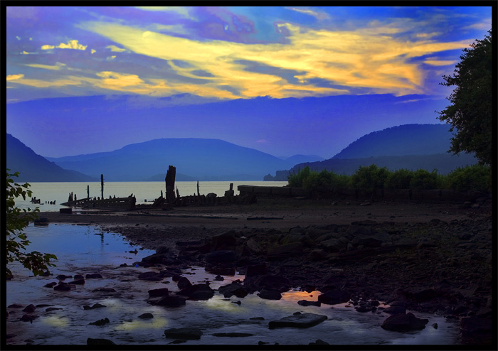 "photo ""Hudson V"" tags: misc.,"
