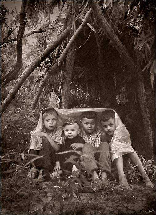 "photo ""Cabin"" tags: portrait, genre, children"