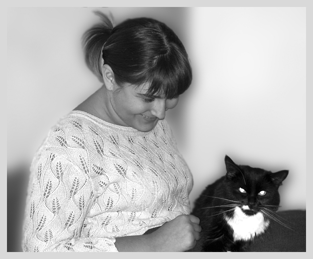 "photo ""About tails, or one for two.."" tags: portrait, black&white, woman"