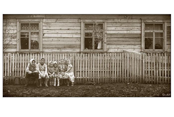 "photo ""Set of nesting dolls"" tags: portrait, genre, children"