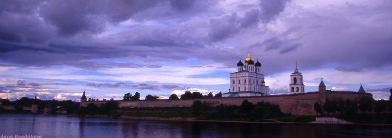 "photo ""Pskov"" tags: landscape, architecture, clouds"