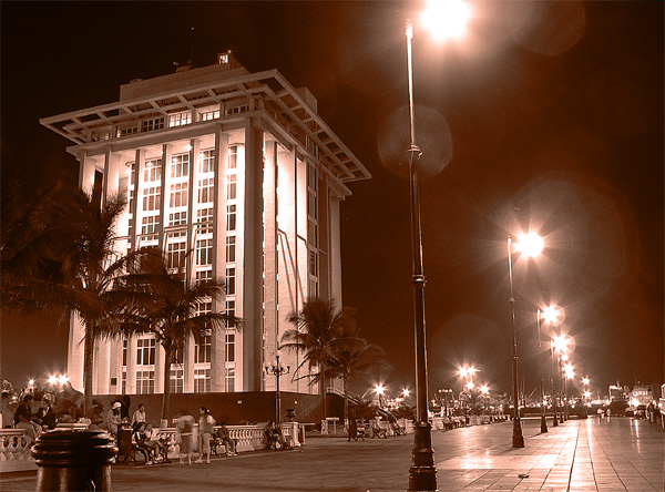 "photo ""Veracruz at night"" tags: architecture, landscape,"