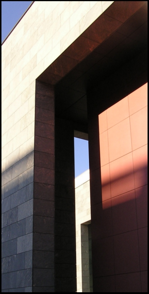 "photo ""Untitled photo"" tags: abstract, architecture, landscape,"