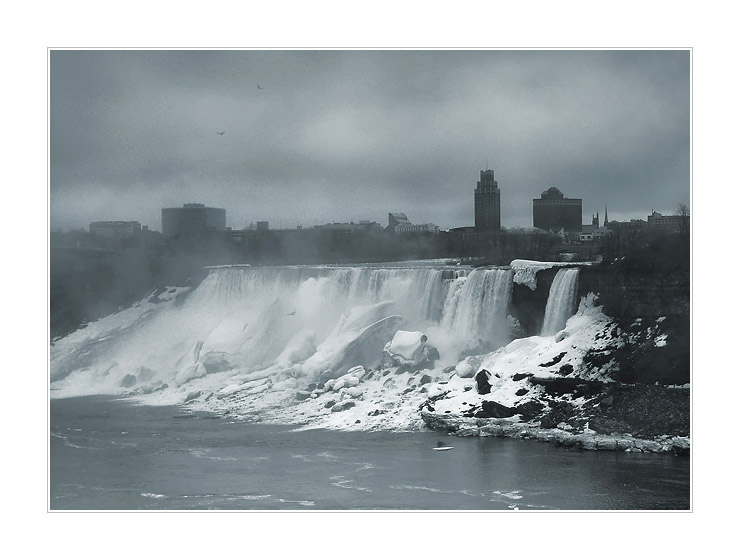 "photo ""Niagara-in-the-fog (2)"" tags: landscape, travel, North America"