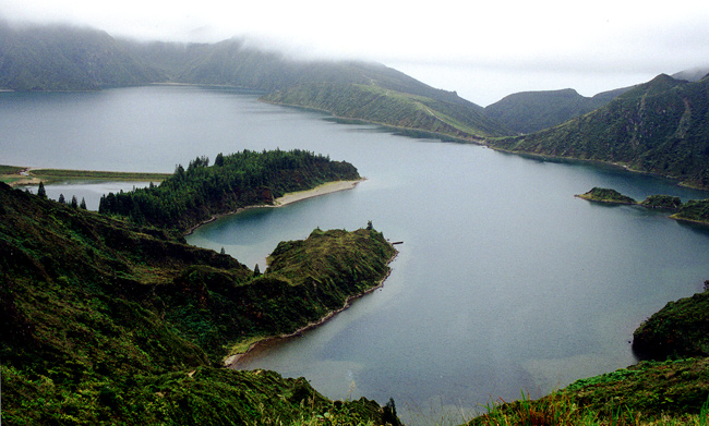 "photo """" Lagoa do Fogo - Fire Lagoon """" tags: misc.,"