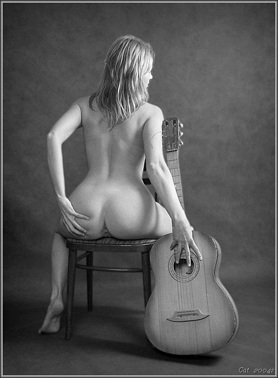 Голые девушки фигурой гитары, как снимают порно в голливуде онлайн
