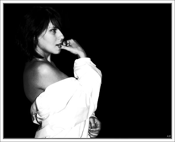 """фото """"Мысли..."""" метки: черно-белые, портрет, женщина"""