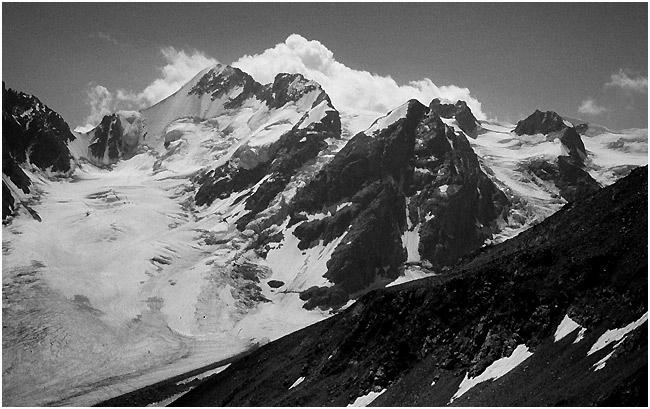 "photo ""Caucasus Mountains"" tags: landscape, black&white, mountains"