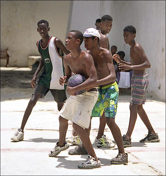 """фото """"Уличный баскетбол в Гаване"""" метки: жанр,"""