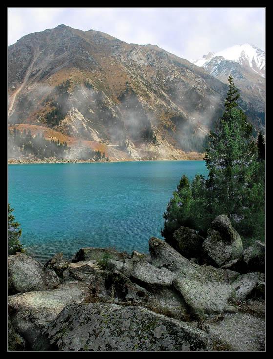 """фото """"в дыму..."""" метки: пейзаж, вода, горы"""