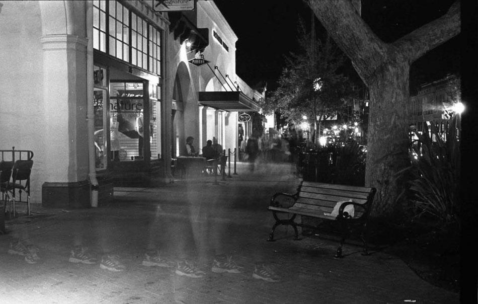 "фото ""Ghost..."" метки: черно-белые, жанр,"