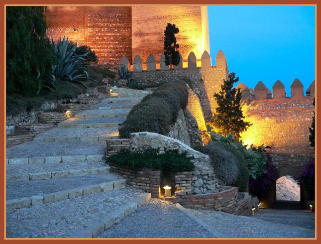"фото ""Stairs of ascent or slope?"" метки: архитектура, пейзаж, ночь"