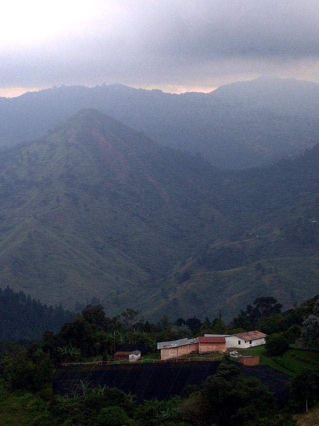 "фото ""Black on green"" метки: пейзаж, горы"