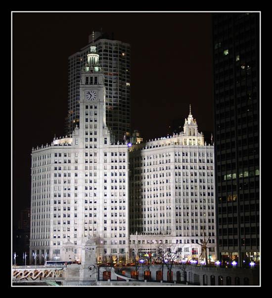 """фото """"Chicago Tribune"""" метки: архитектура, пейзаж, ночь"""