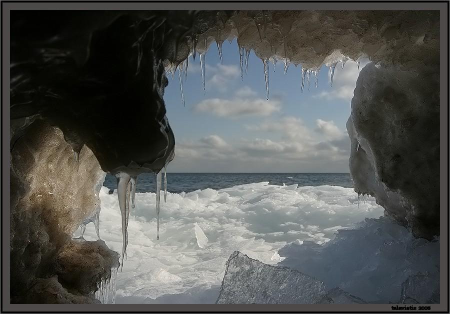 """фото """"взгляд с моей пещери..."""" метки: разное, пейзаж, вода"""