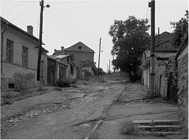 "photo ""Old Feodosia"" tags: black&white, architecture, landscape,"