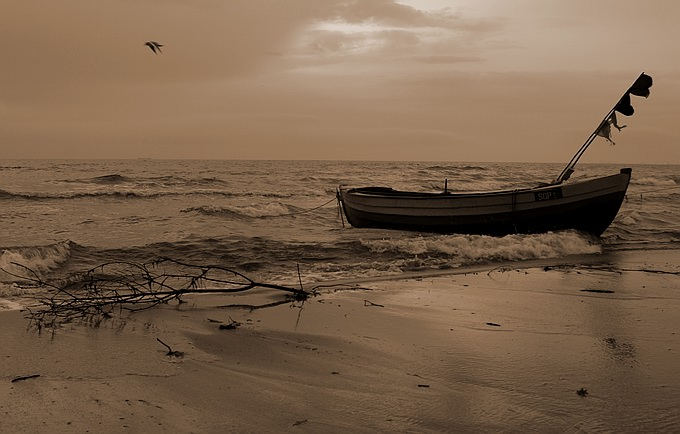 "photo ""Boat on the beach"" tags: landscape, water"