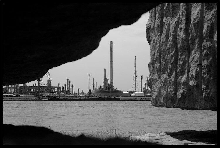 "photo ""View trough some rocks"" tags: architecture, black&white, landscape,"