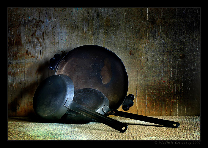 "photo ""Frying pans"" tags: still life,"