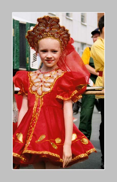 "photo ""Carnaval's face"" tags: portrait, reporting, children"