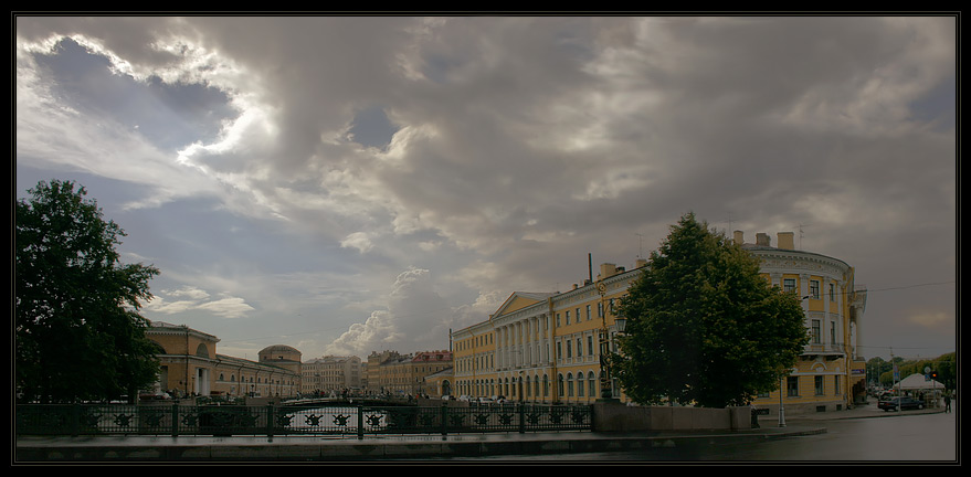 "photo ""The 2-nd Garden bridge"" tags: architecture, landscape, clouds"