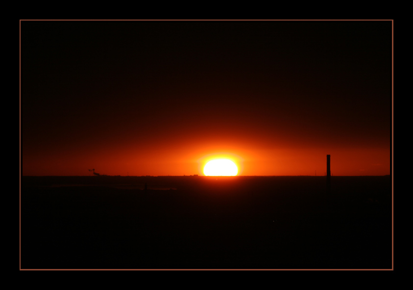 "photo ""El Ocaso desde ventana..."" tags: landscape, sunset"