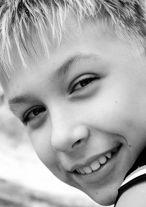 """photo """"Untitled photo"""" tags: portrait, black&white, children"""