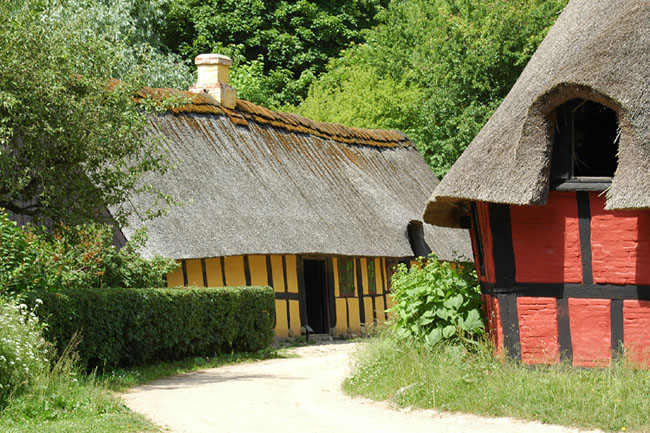 "photo ""old danish houses"" tags: misc.,"