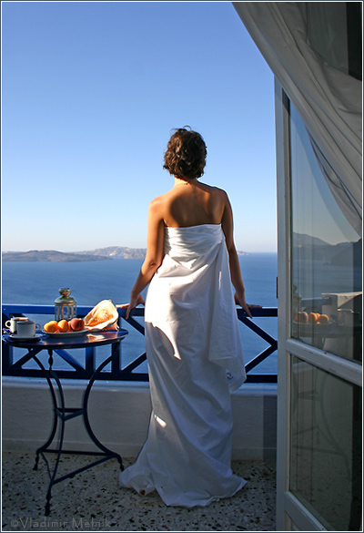 "photo ""Morning of Santorini..."" tags: portrait, landscape, woman"