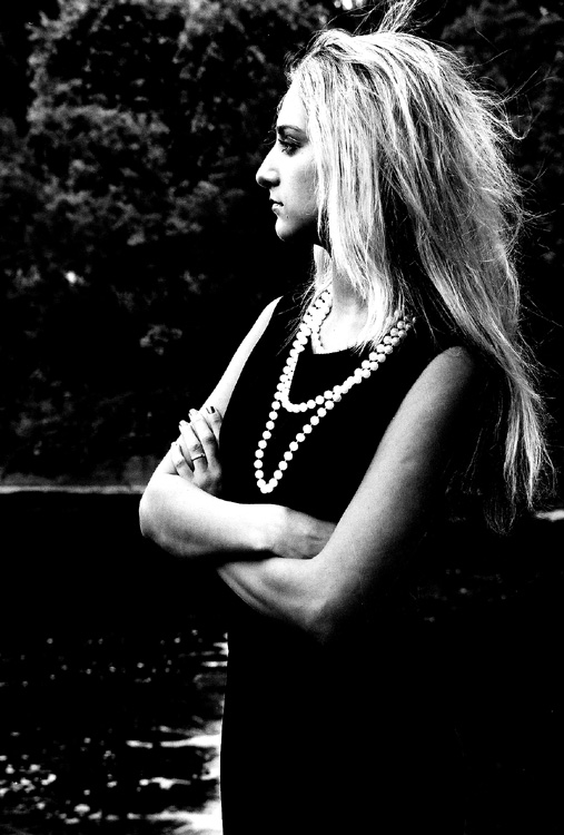 "photo ""intractability"" tags: portrait, black&white, woman"