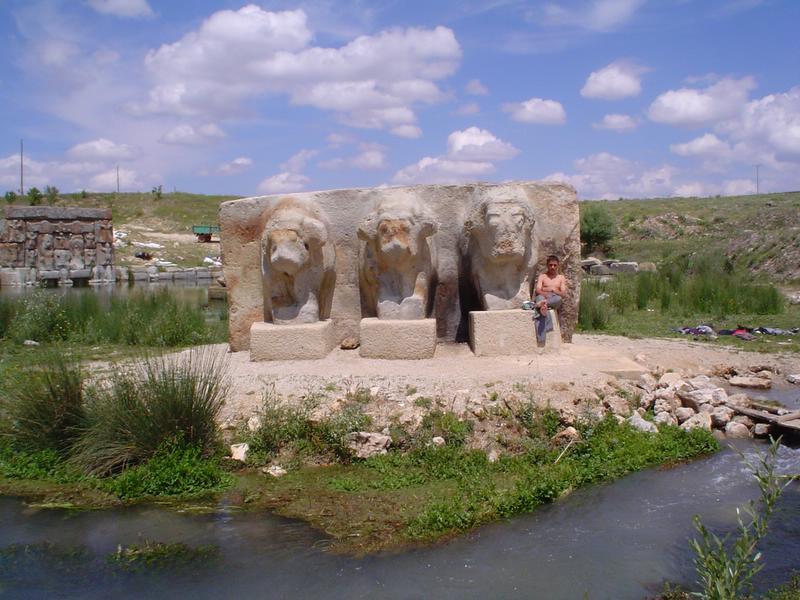 """photo """"Hitit lions"""" tags: architecture, travel, landscape,"""