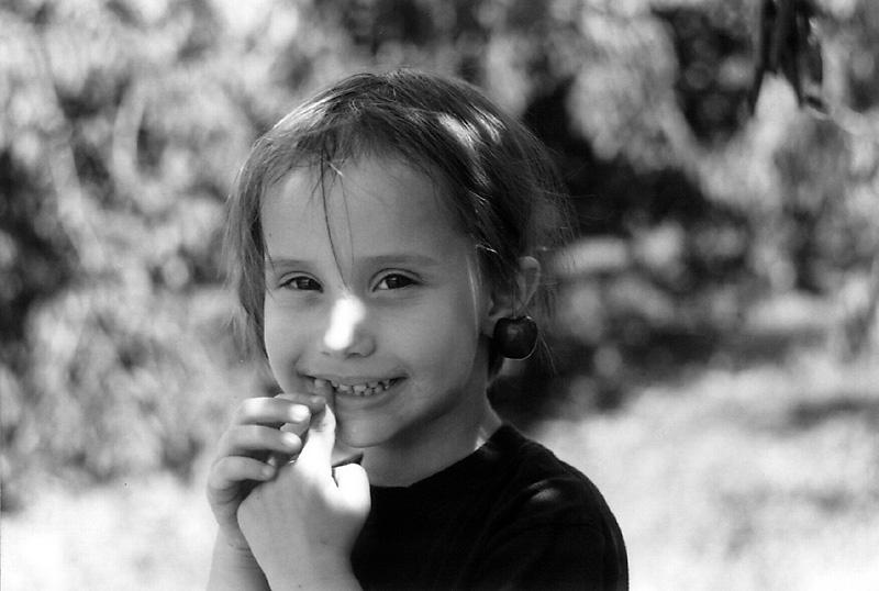 """photo """"Mona Cherry"""" tags: portrait, black&white, children"""