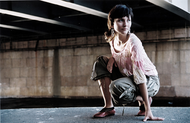 "photo ""under the bridge *** remake***"" tags: portrait, genre, woman"
