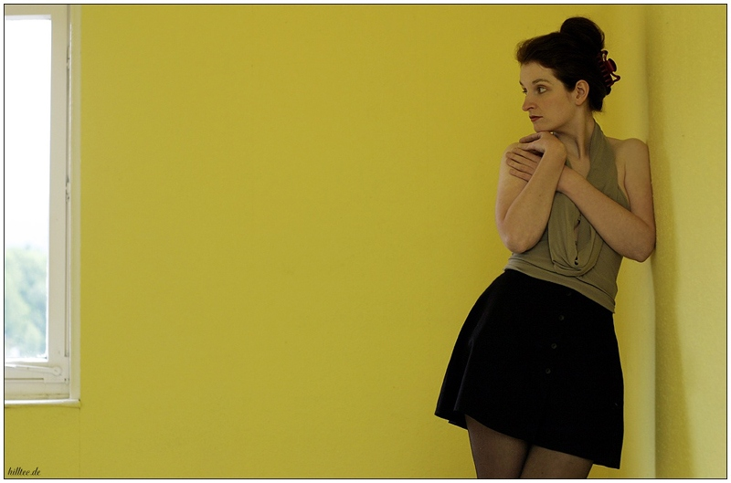 "photo ""yellow room"" tags: abstract, portrait, woman"