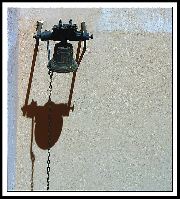 "photo ""The call-bell"" tags: still life,"