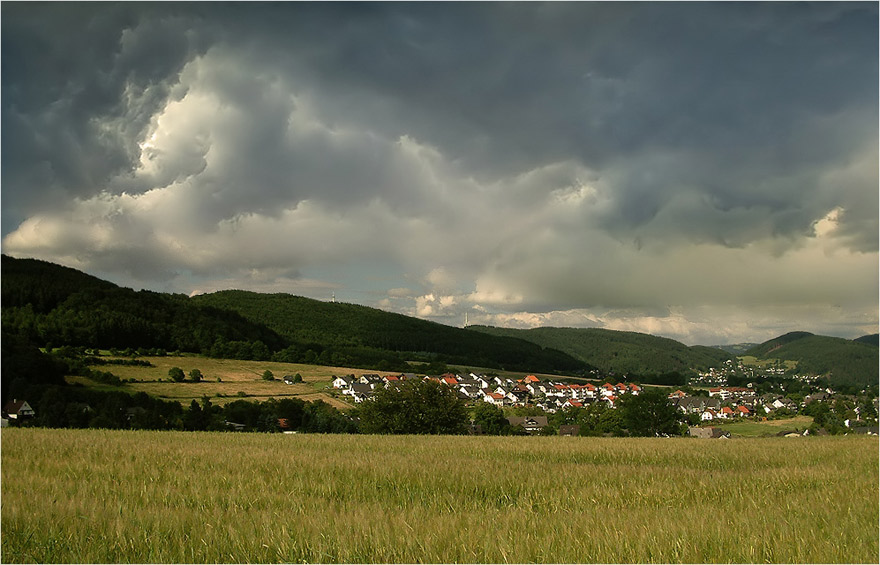 "photo ""Untitled photo"" tags: landscape, clouds, summer"