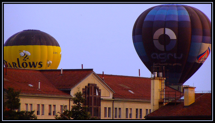"photo ""landing"" tags: architecture, travel, landscape, Europe"
